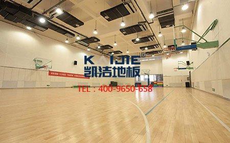 """篮球对抗赛场上,有""""擦地哥"""",但也少不了运动木地板!"""