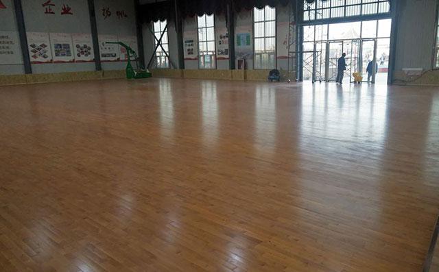 篮球场木地板价格为什么会这么高?