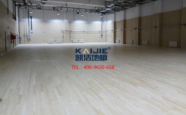 篮球馆木地板厂家进行翻新的主要步骤是什么-篮球木地板