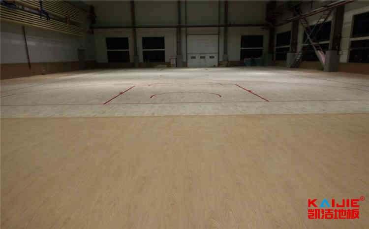 24厚羽毛球馆木地板图片及价格-凯洁地板