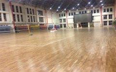 室内篮球场木地板怎么挑选呢-篮球木地板