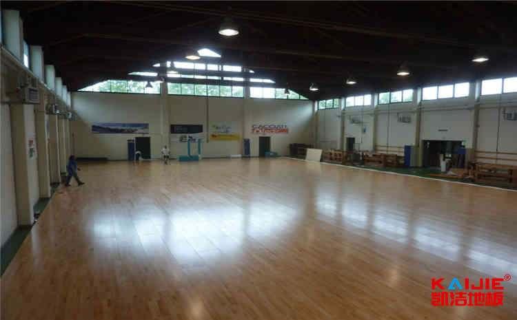 学校风雨操场运动地板怎么保养?-凯洁地板