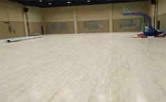 专业篮球比赛场馆使用什么材质篮球木地板-篮球木地板