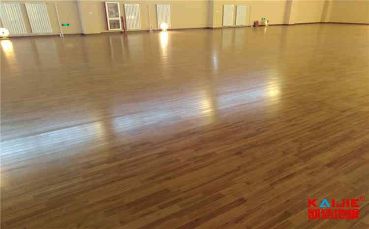 硬木企口篮球馆木地板多少钱一平米?-凯洁地板